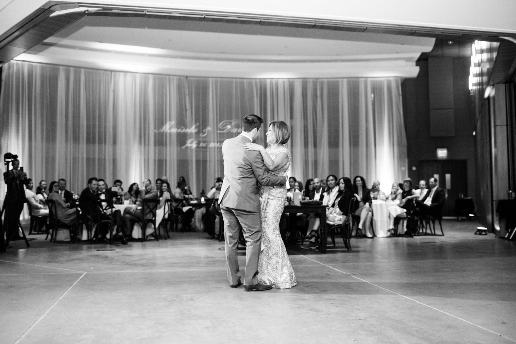 Romantic_Estancia_La_Jolla_Wedding_110.jpg