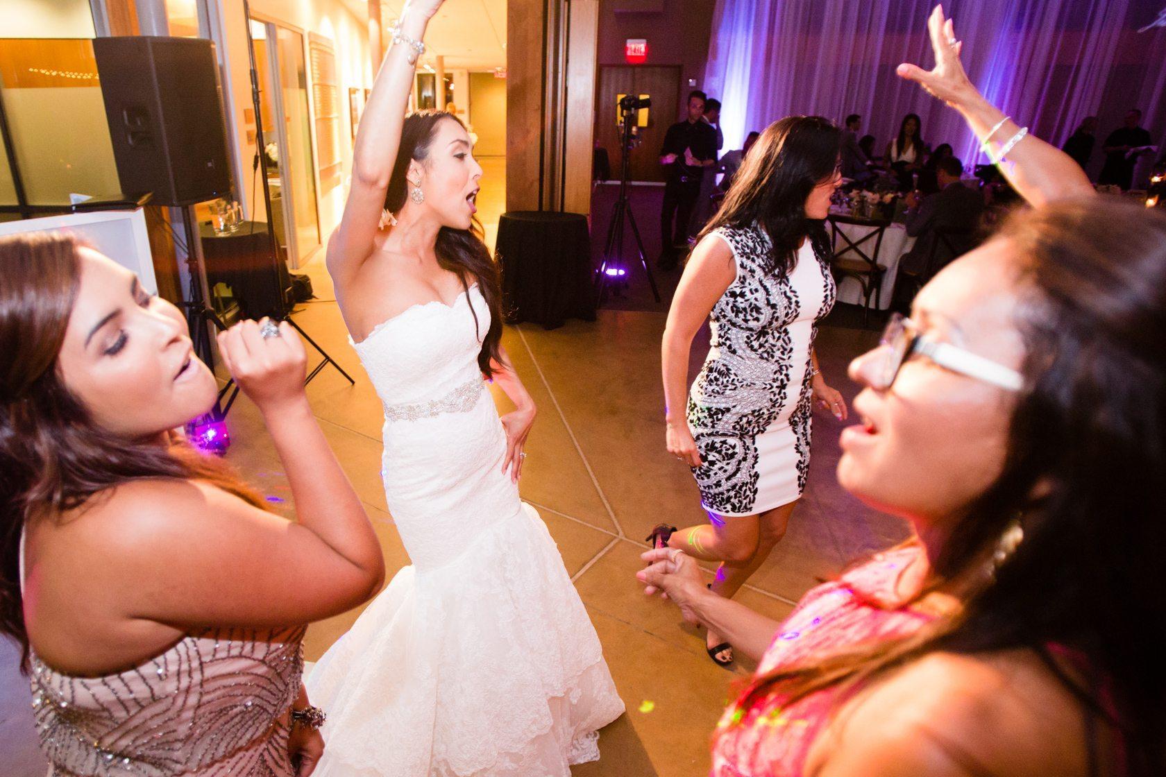 Romantic_Estancia_La_Jolla_Wedding_121.jpg