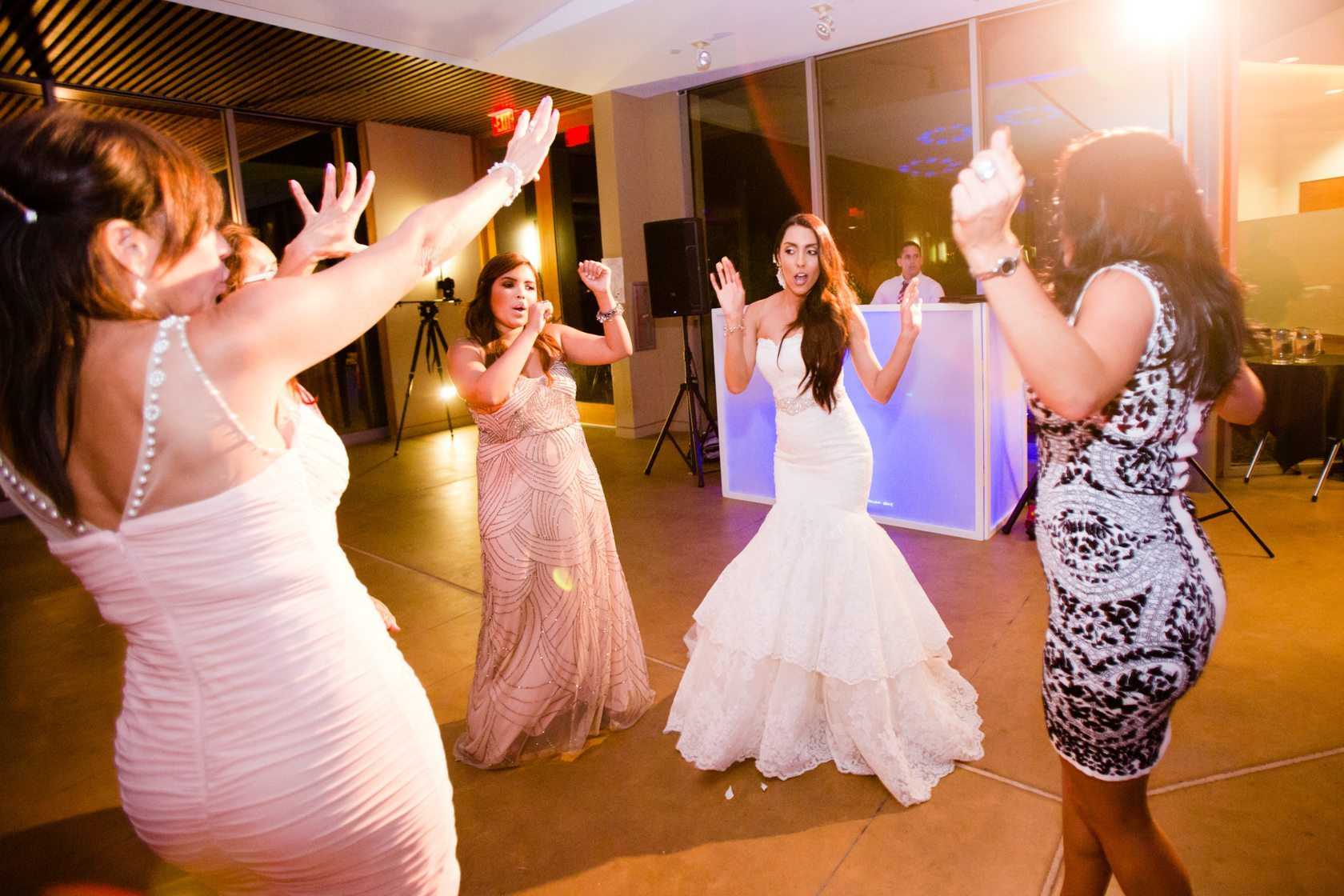 Romantic_Estancia_La_Jolla_Wedding_123.jpg