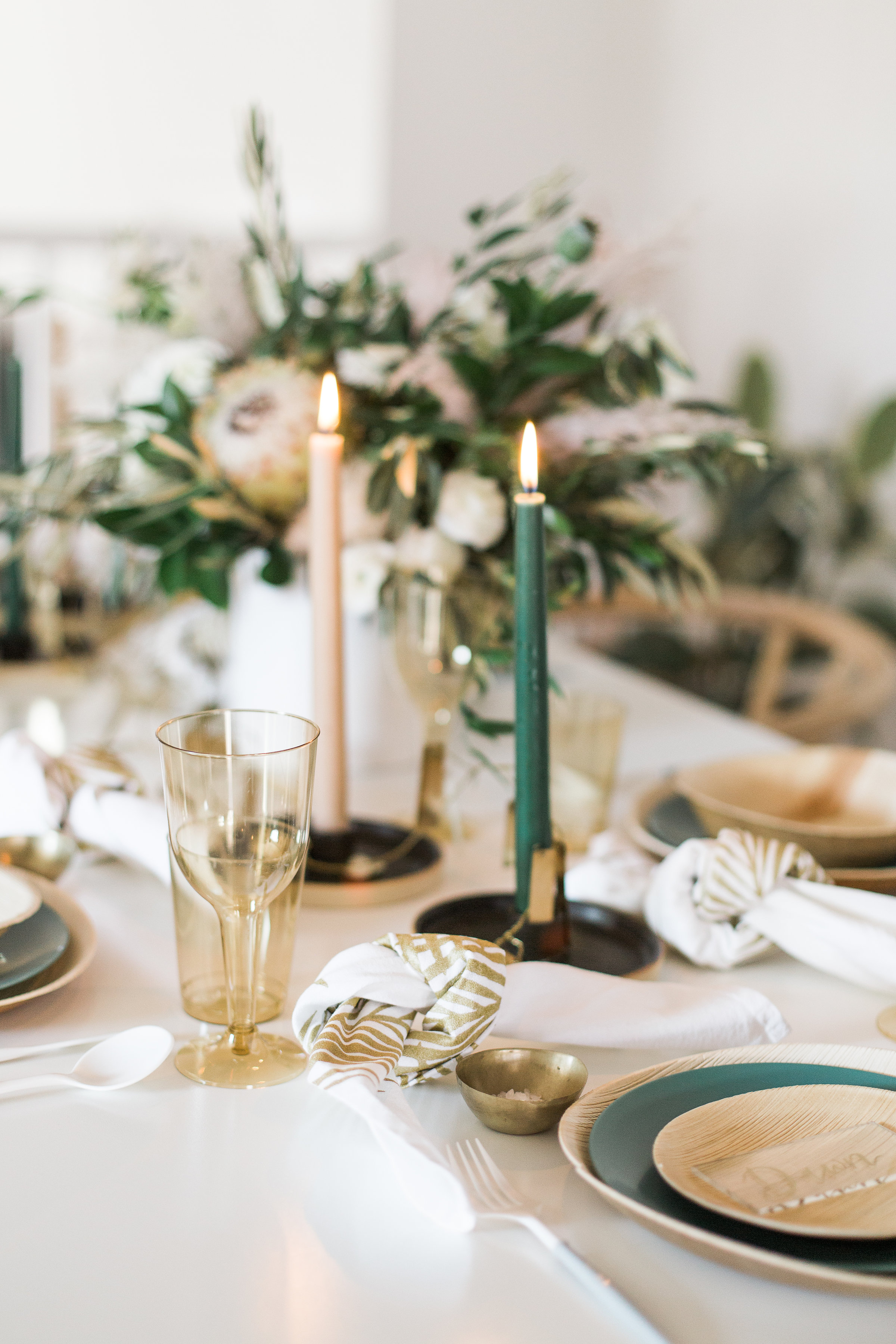 Simple and clean winter indoor brunch party decorations