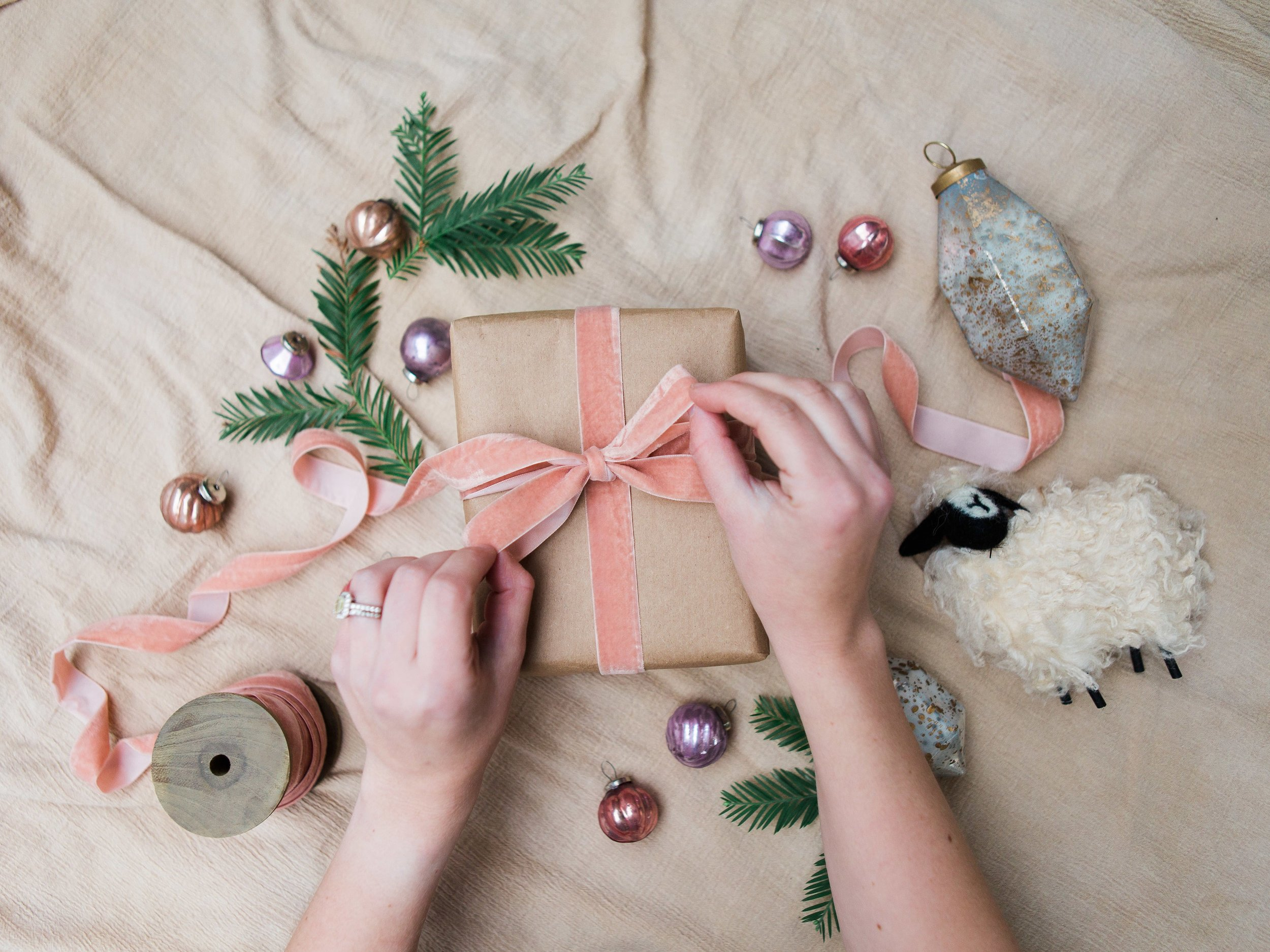 unique gift wrapping ideas for holiday gifts