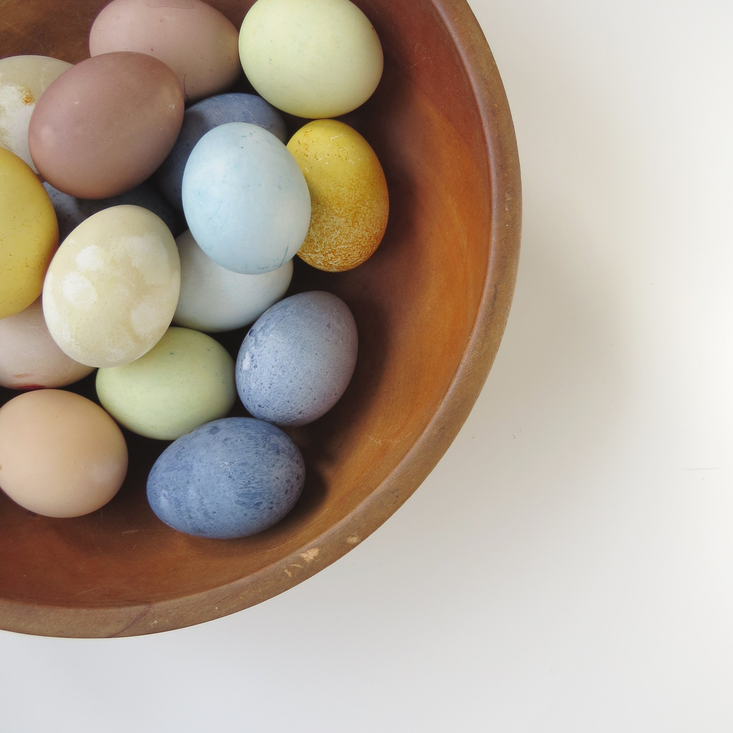 how to chemically free dye easter eggs