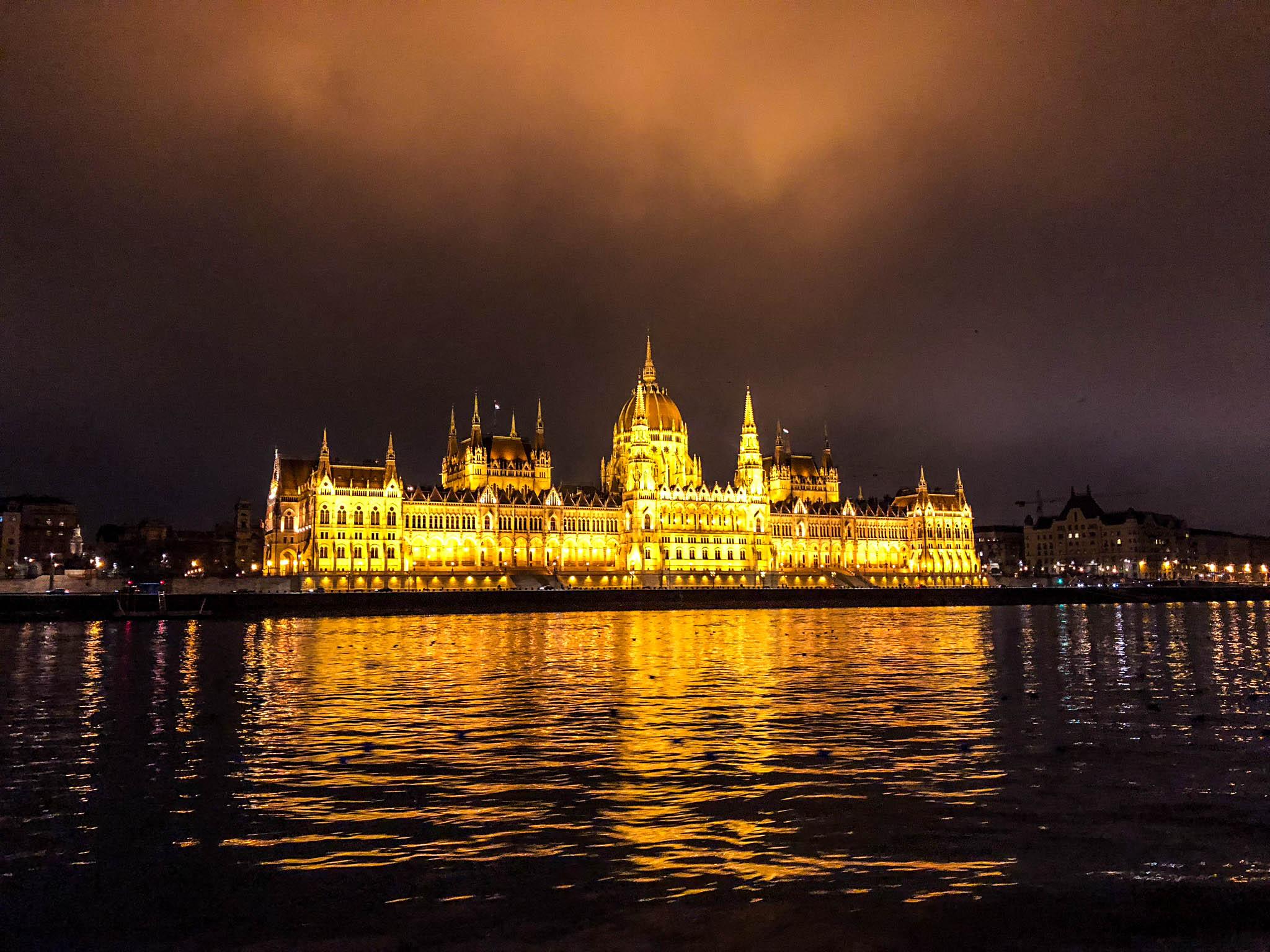budapest hungary travel guide parliament