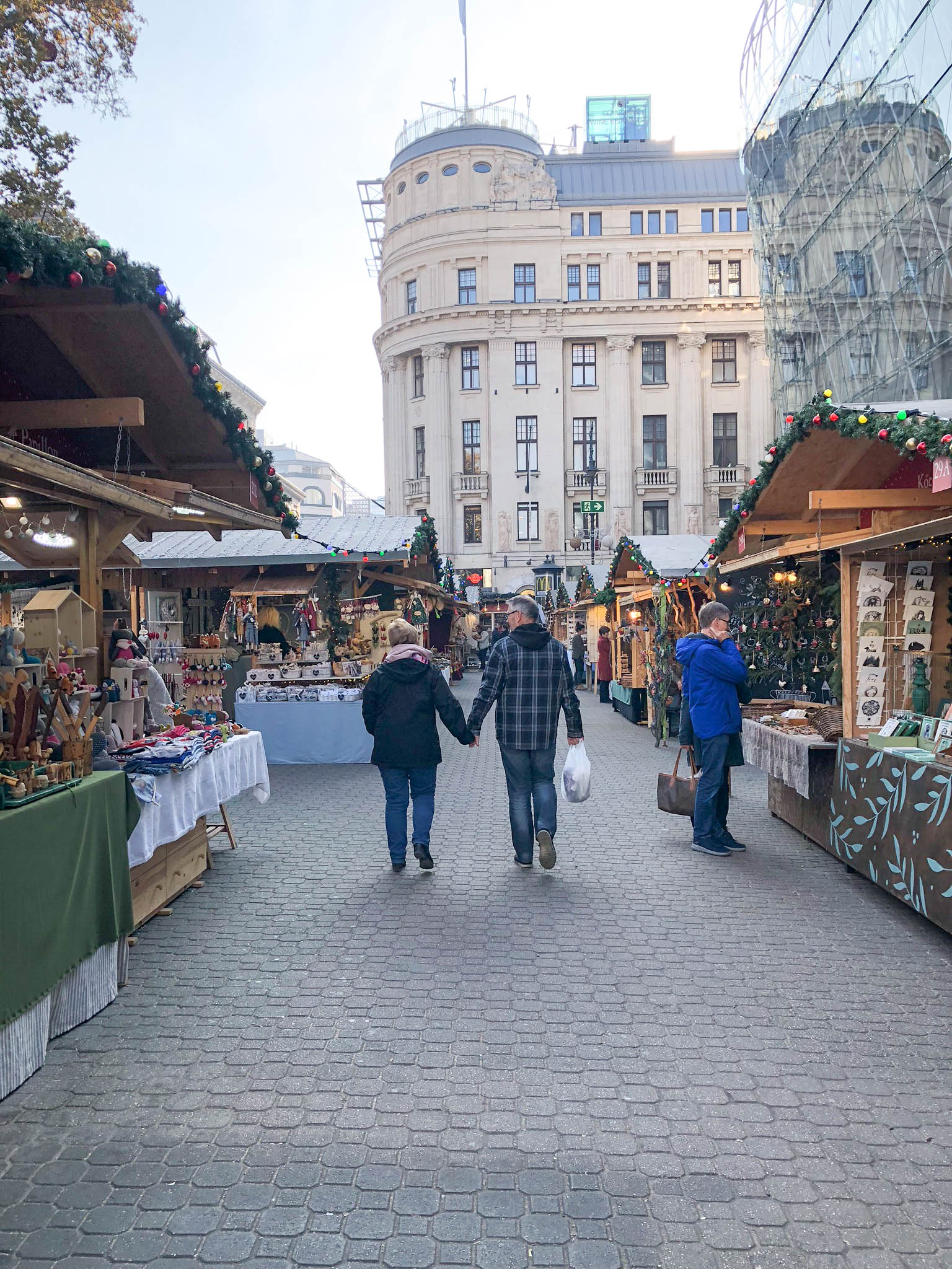 budapest hungary travel guide christmas markets