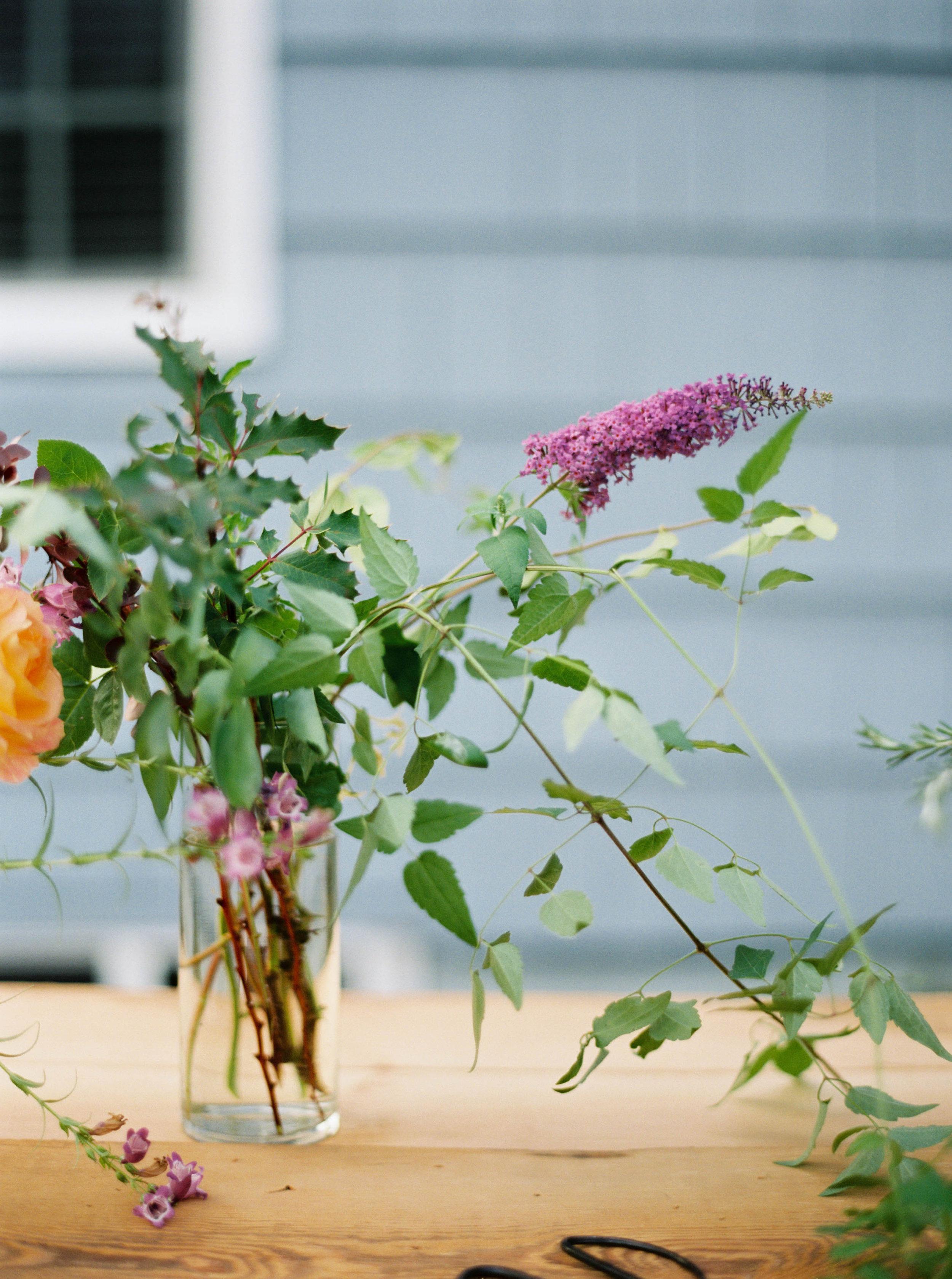 foraged flower bouquet from livingforaged.com