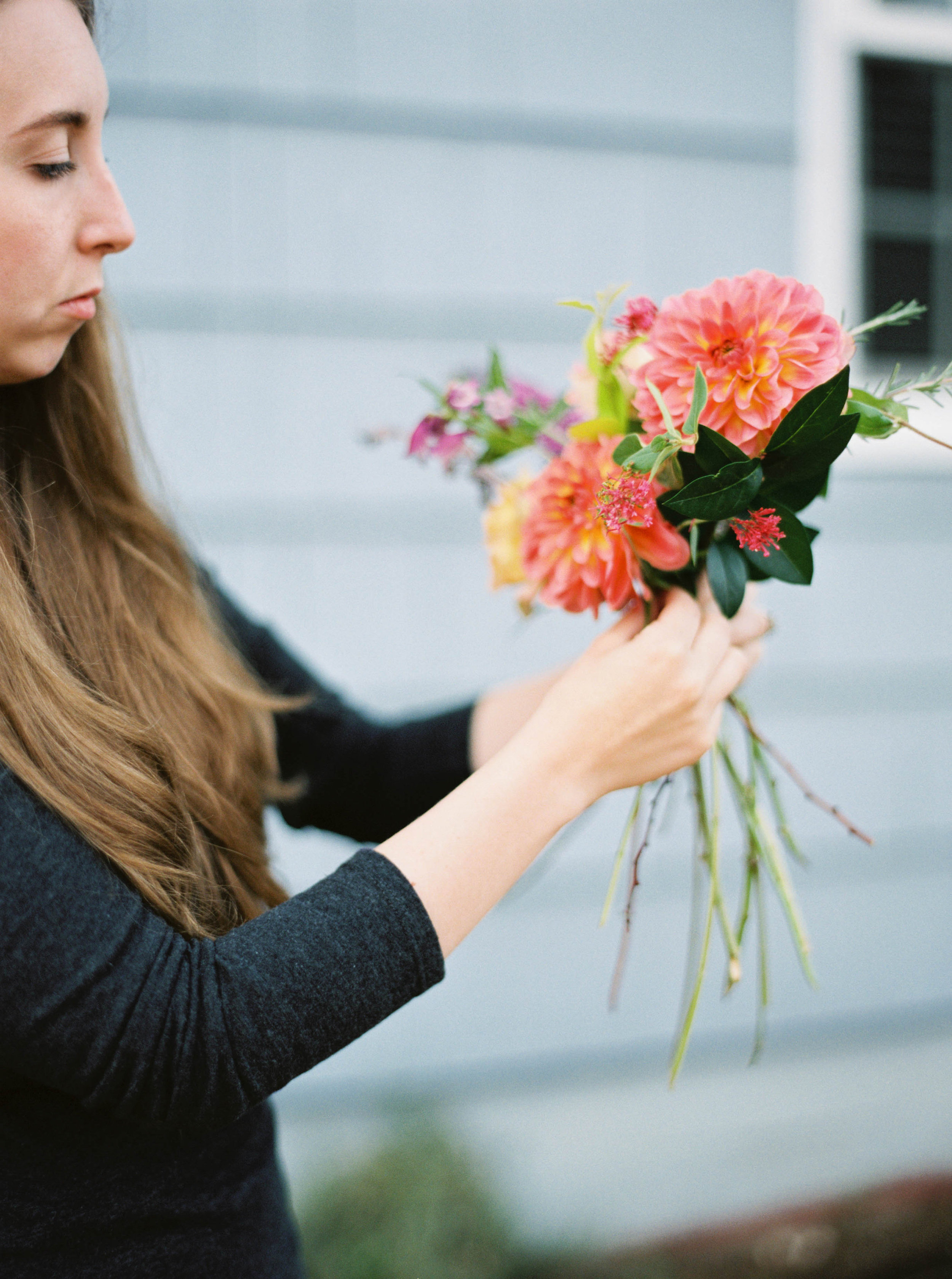how to make a foraged bouquet