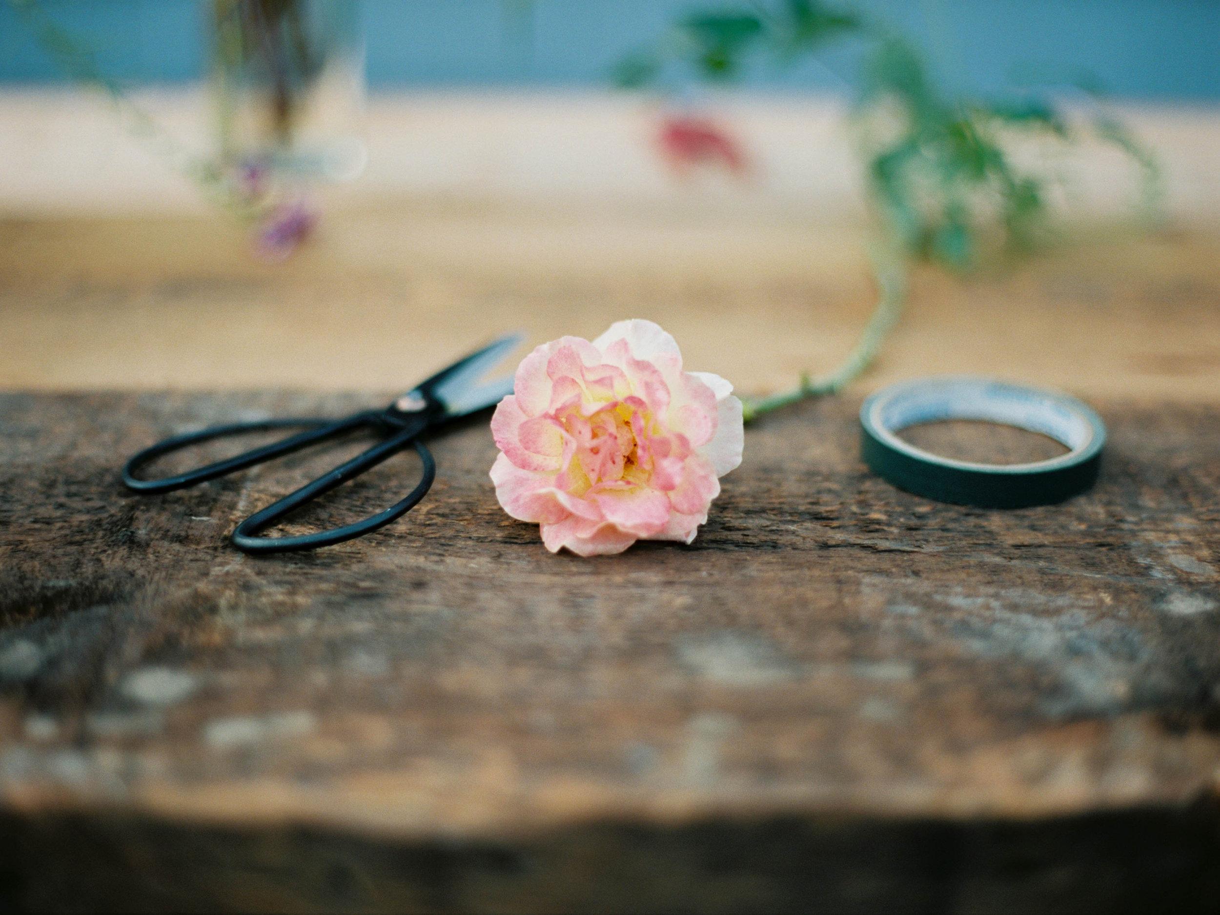 supplies to make a wedding bouquet