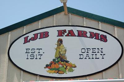 LJB FARMS (RAFFLE PRIZE DONOR) LOGO.JPG