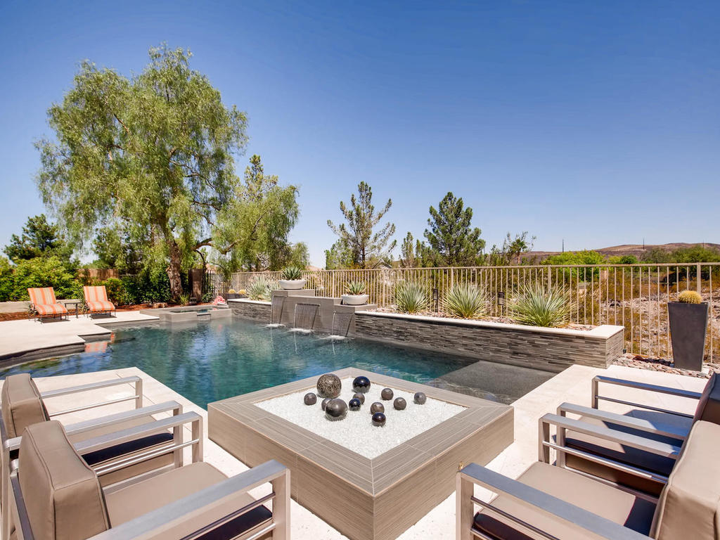 2 Isleworth Dr Henderson NV-034-5-Exterior Pool-MLS_Size.jpg