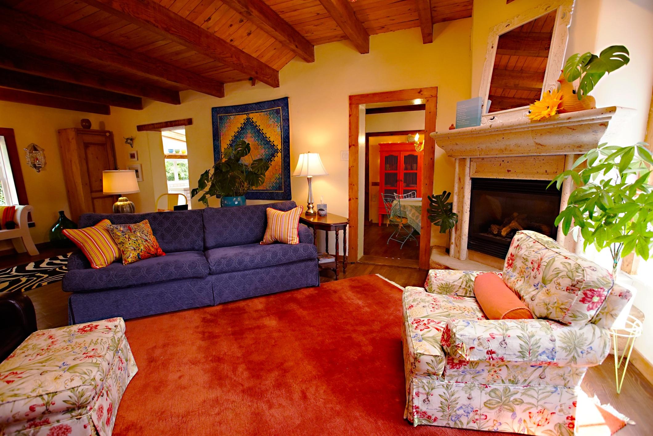 #43 - Casa Living Room 2 - resized.jpg