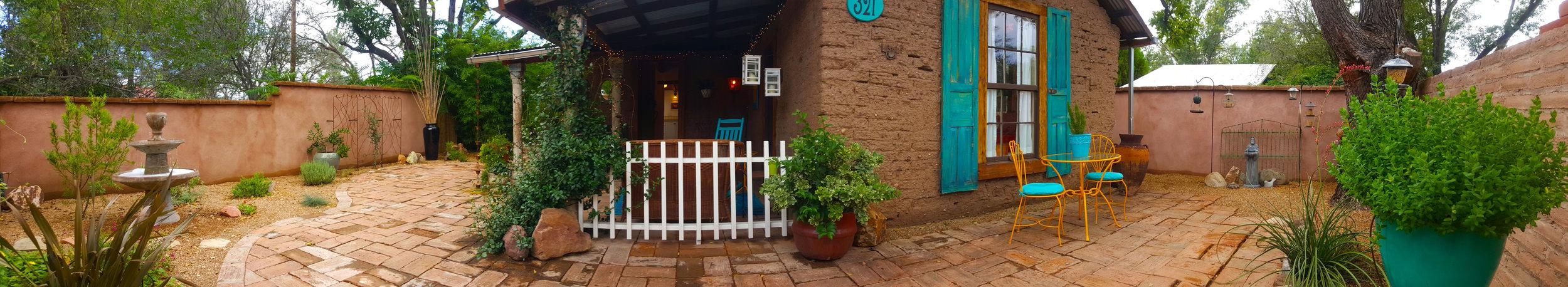 Casa_Front_Courtyard_Panorama.jpg