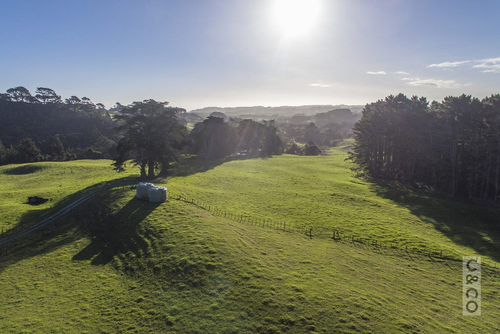 200 Valley Road, Muriwai Beach -