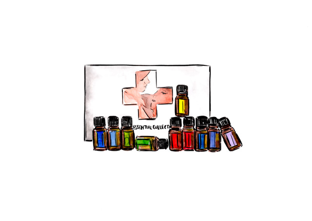 Family ESSENTIALS - Top 10 Essential Oils in smaller bottles5mL bottles: DigestZen, Tea Tree, Oregano, Frankincense, Easy Air, Lavender, Lemon, Peppermint, On Guard15 ml bottles: Slim & Sassy