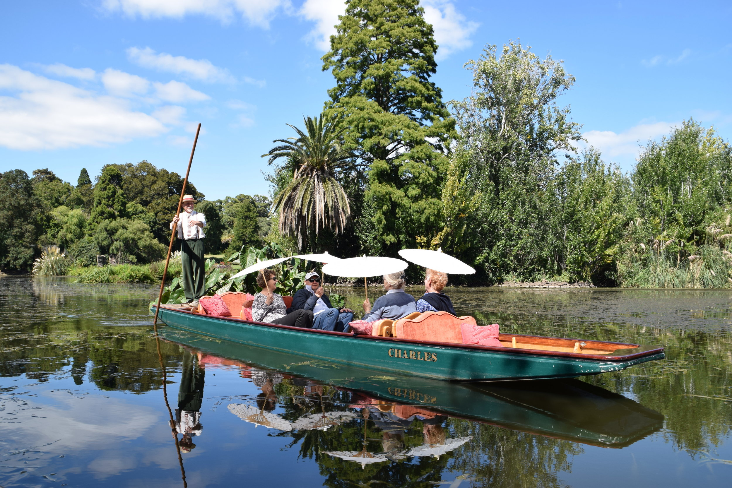 Melbourne Bus Tour-History Tour-Gardens and Days Gone By-Botanic Gardens-Guided Boat Tour
