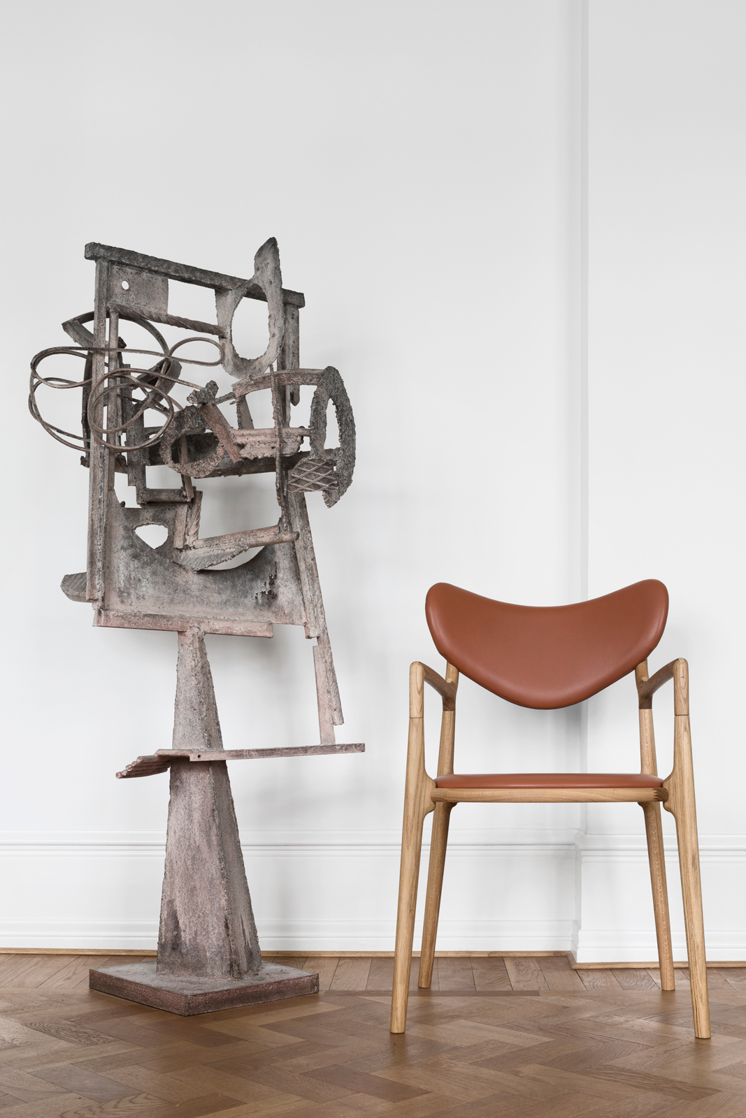 Truenorth-Designs_Salon_Chair_Robert-Jacobsen_Sculpture_Design_Asger-Soelberg_01.jpg