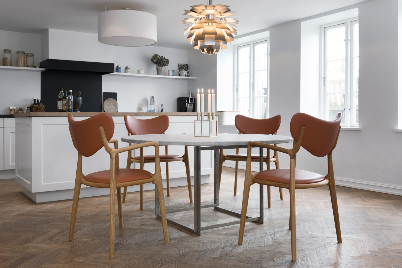 Truenorth-Designs_Salon_-Dining_-Chair_in_kitchen_Design_by_Asger-Soelberg_-04.jpg