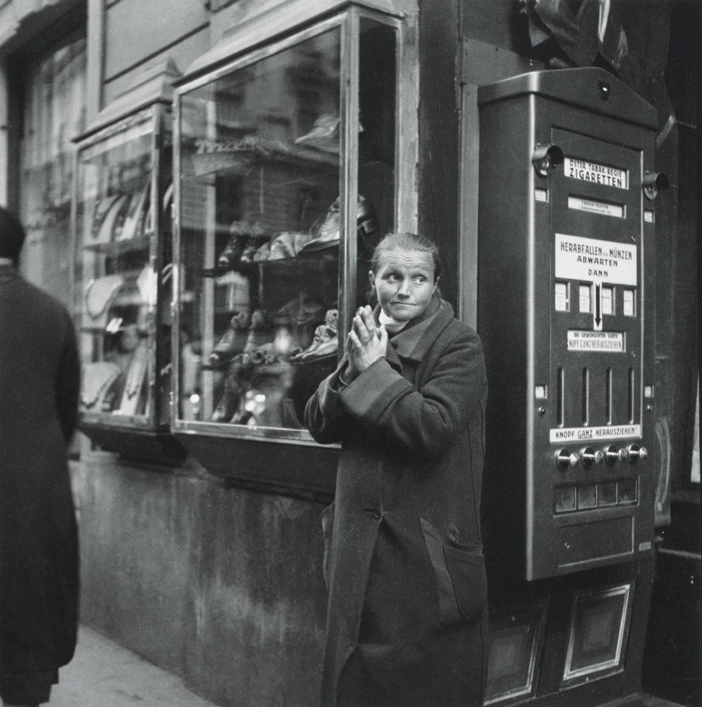 Едіт Тюдор-Харт (друк Джоанни Кейн), Жінка, Відень (близько 1930 р., Друкована 2013 р.)