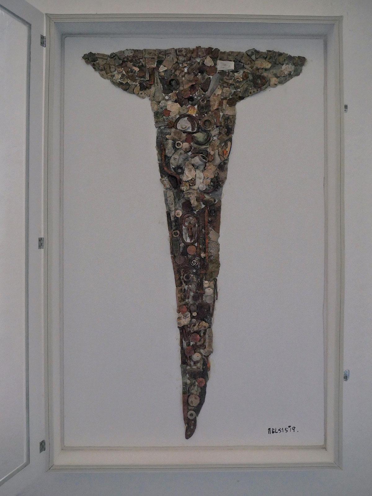 APL315 (Одеса), «Цвях», металеві артефакти на вініловому листі, рідкий силікон, 98 х 61 см., 2019