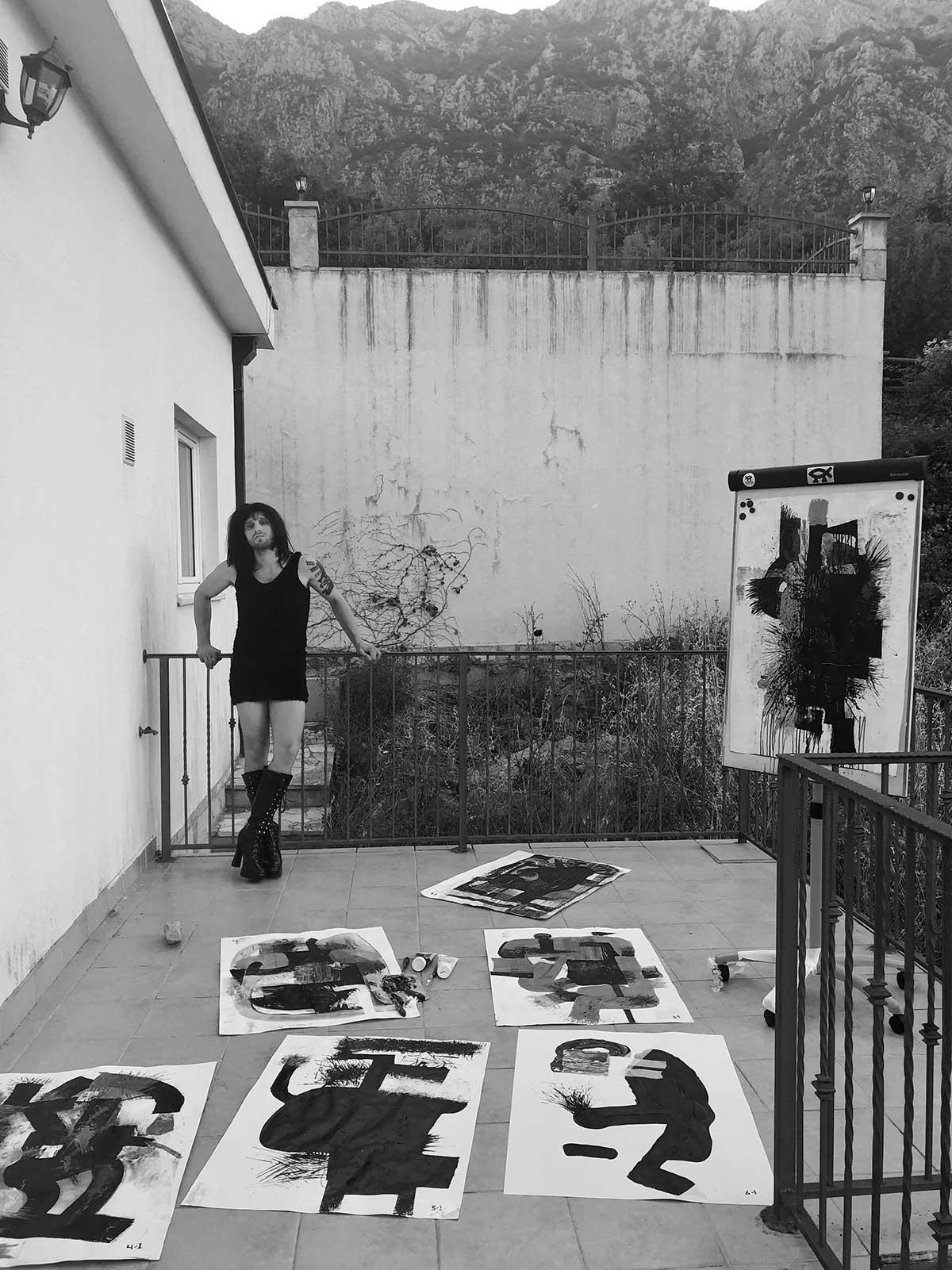 Віталій Кравець (Київ) та Каріна Пустовалова (Київ), фото-документація проекту «WhoWhoWho»