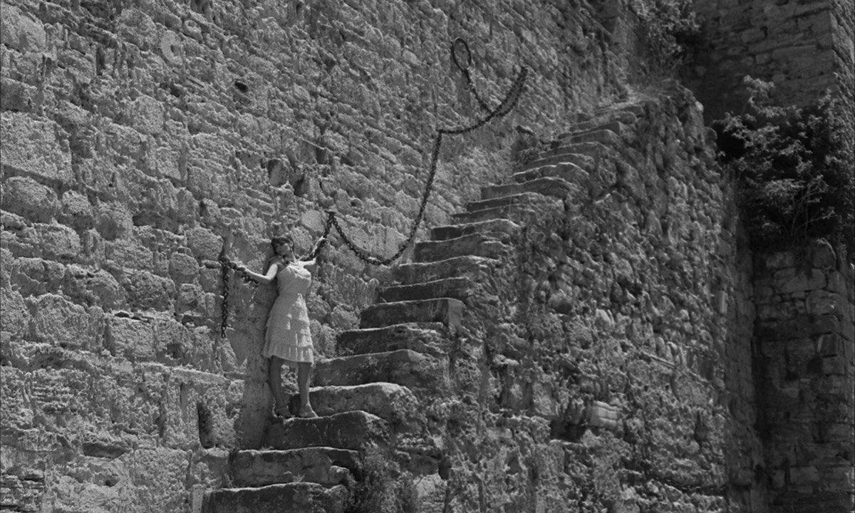Кадр із фільму L'immortelle, 1963, реж. Алан Роб Грийе
