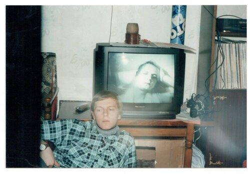 Антон Слєпаков вдома у родини Алмазових. Херсон 1995. Світлина: Сергія Алмазова