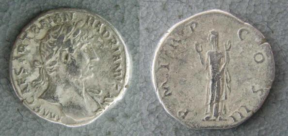 RC1140_Hadrian_Piety.JPG