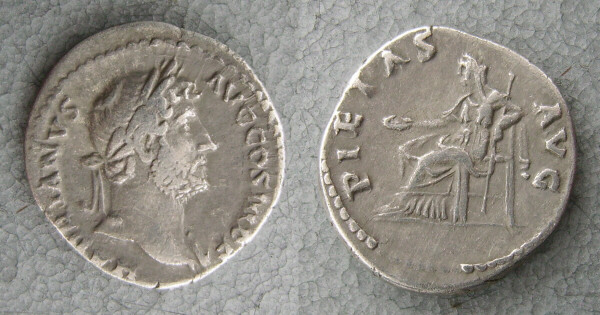 RC1141_Hadrian_ Piety.JPG