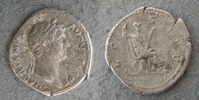 RC1159_Hadrian_Virtus.JPG