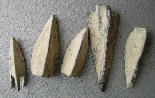 Punic-War_arrowheads.JPG