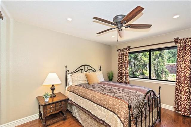 22-Bedroom 1.jpg
