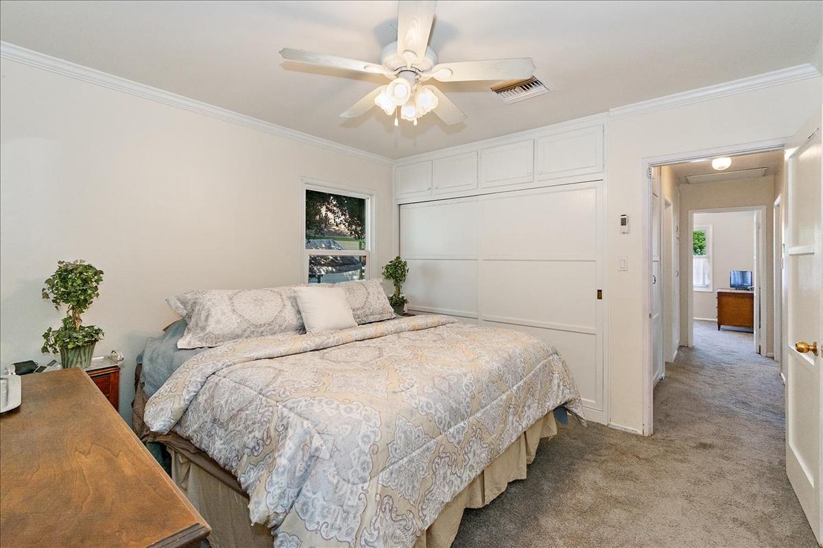 19-Master Bedroom.jpg