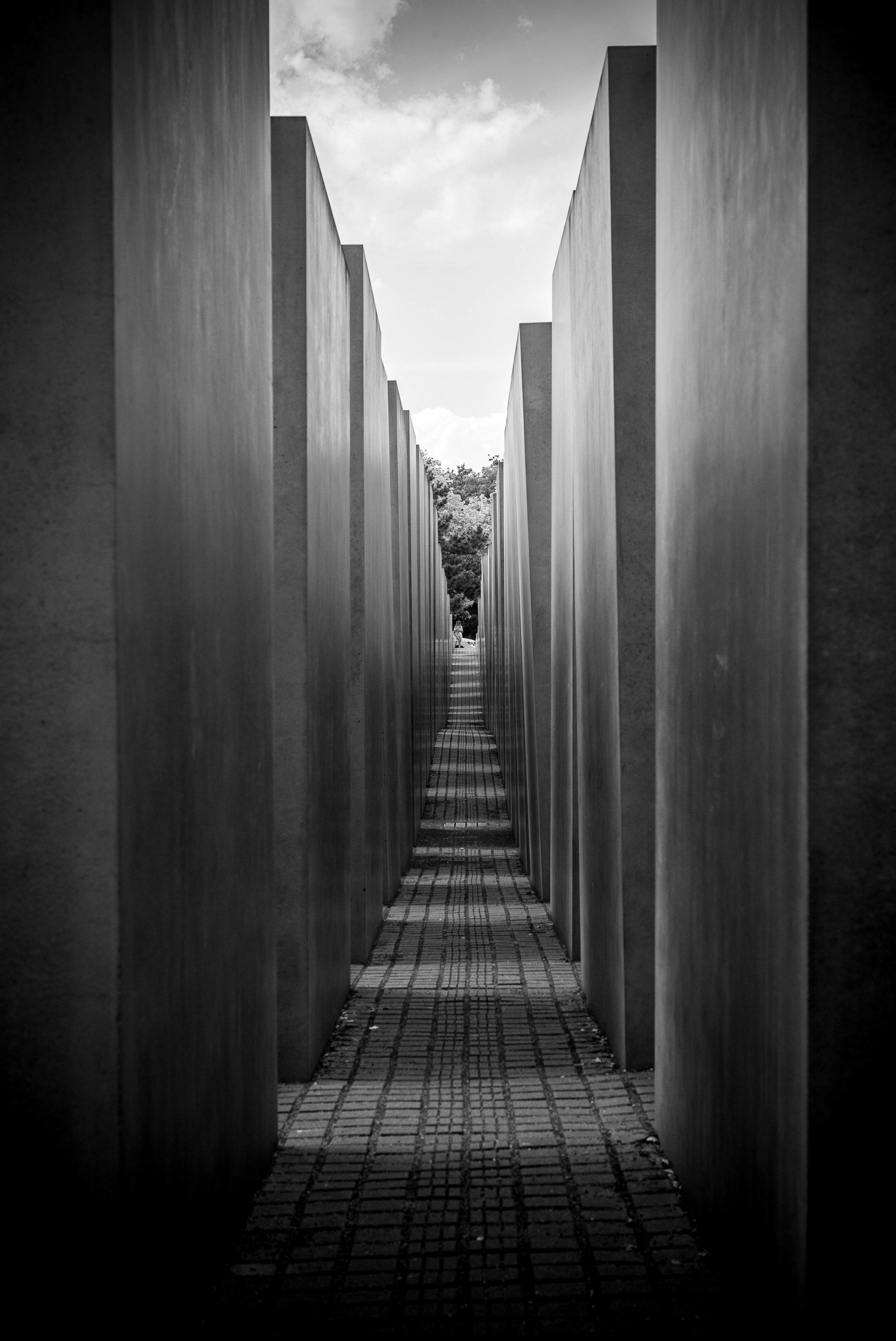 holocaust memorial-2.jpg