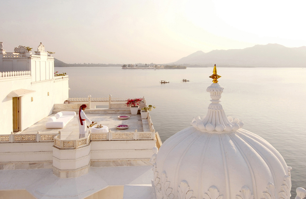 lake palace copy.jpg