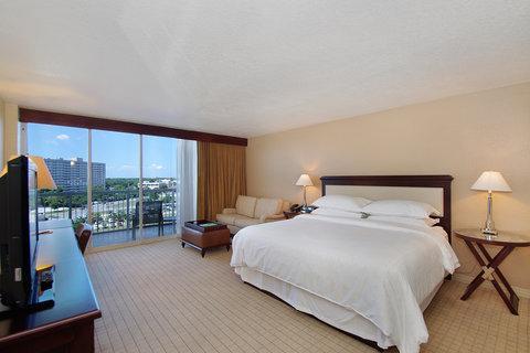 2241284-Sheraton-Tampa-Riverwalk-Hotel-Guest-Room-1-DEF.jpg