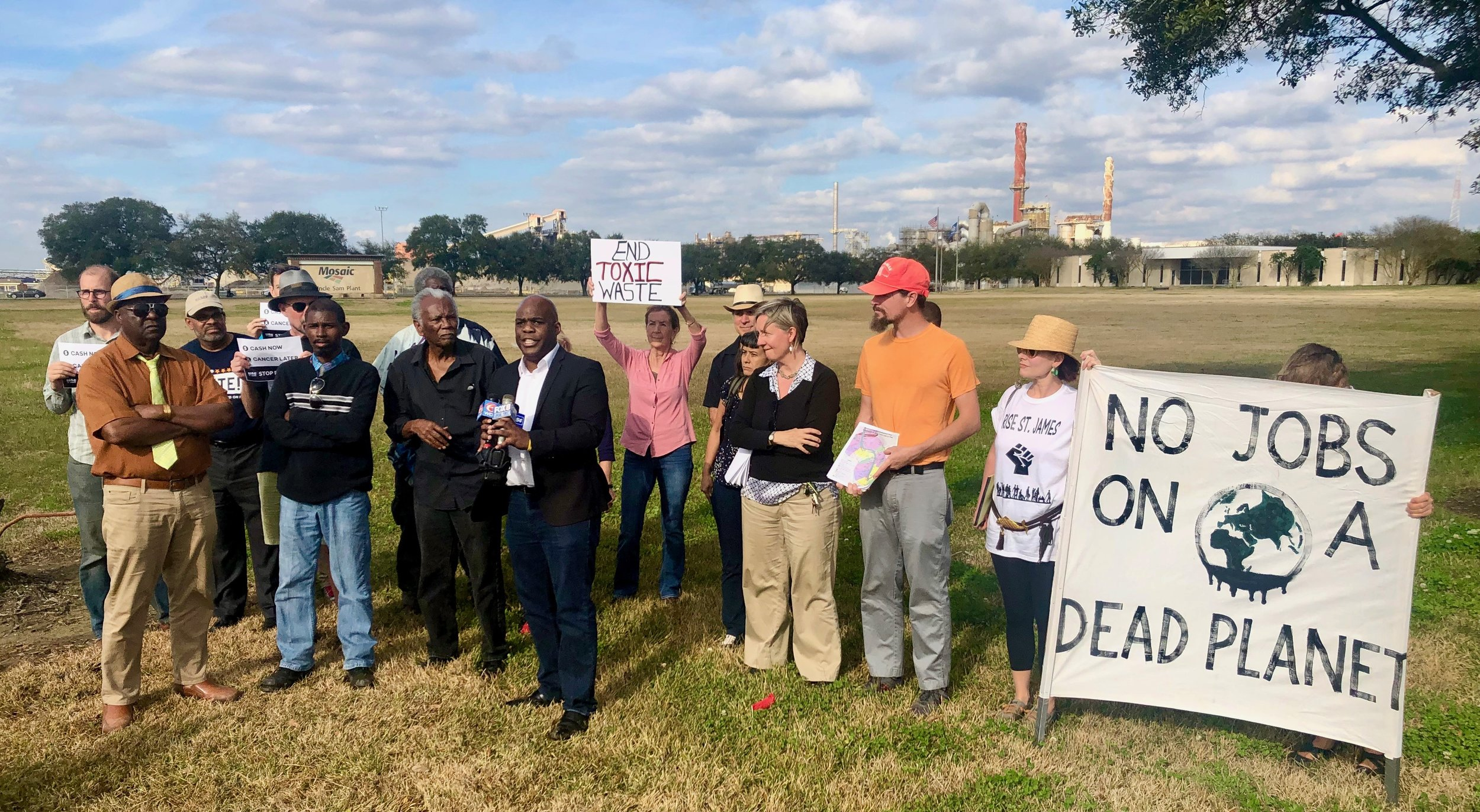 "UNITED FOR JUSTICE - Communities along the Mississippi River are experiencing high rates of death not just from cancer, but also respiratory and autoimmune diseases. That's why affected communities decided to rename the region ""Death Alley."""
