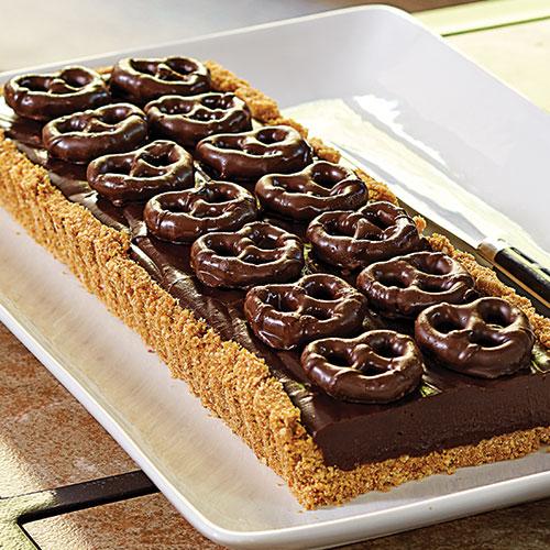 food-chocolate-pretzel-tart.jpg