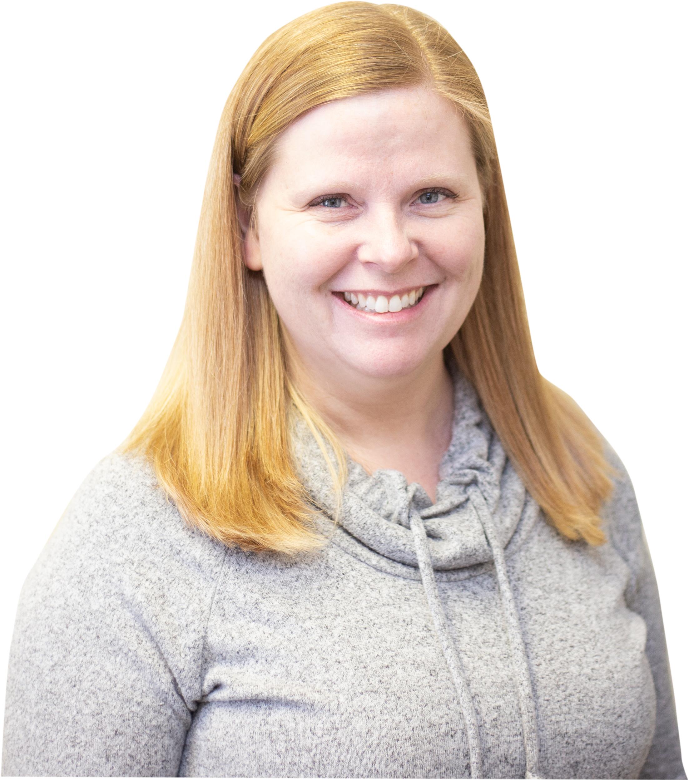Erin Stephens, CHRL,CRSP  Directeur des RH & des HSE  De par mon rôle, je suis responsable de la supervision du département des ressources humaines. Je considère qu'une grande partie de mon rôle est d'habiliter l'équipe des ressources humaines à supporter le POURQUOI de DC en recrutant les meilleurs talents, en créant et en implantant des programmes stratégiques, tout en demeurant amusants, qui soutiennent la connexion et la cohésion entre employés. Je vise à créer une culture inclusive où le personnel se sent valorisé, sécurisé et qu'il a des opportunités d'apprentissage pour se développer et pour un avancement professionnel. Sur une note personnelle, j'ai deux filles, dont une qui est au collège pour devenir une paramédique, et une autre qui entrera à l'université dans un an en espérant devenir avocate. Nous passons beaucoup de notre temps à l'extérieur, que ce soit en courant ensemble ou en effectuant des randonnées avec notre chien. J'aime également la lecture…je suis un peu un accro aux livres.