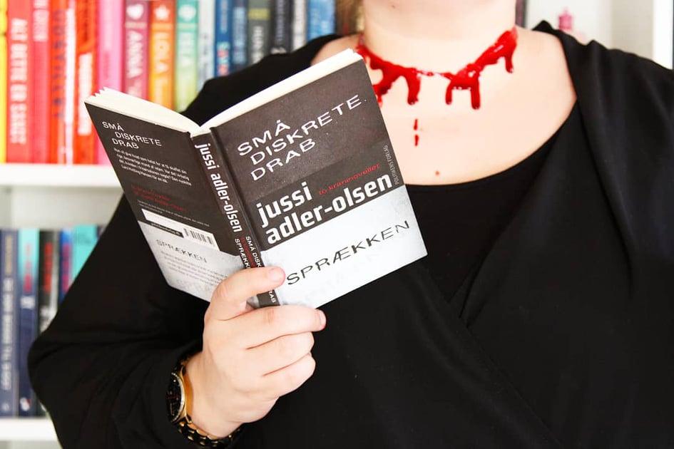 Bogen er en gave fra forlaget.