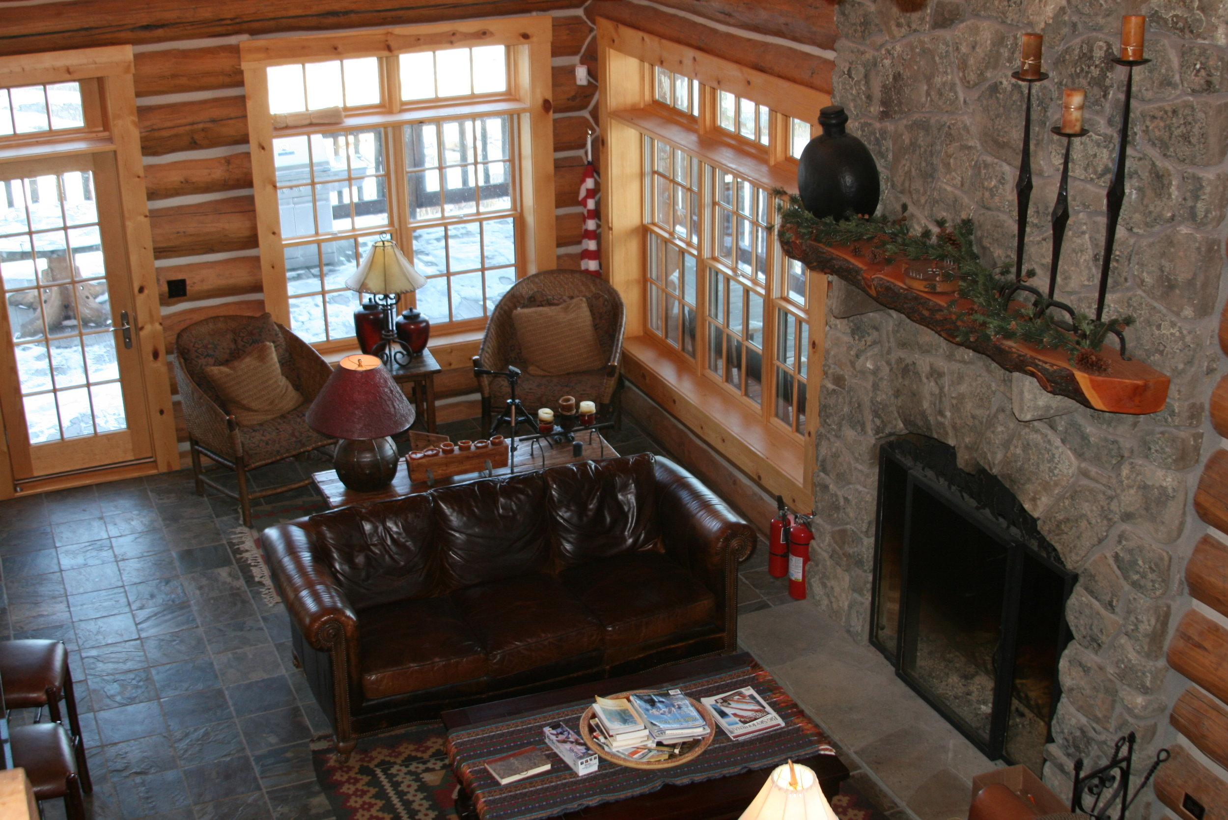 Dog Tooth Mountain Lodge Yellowstone