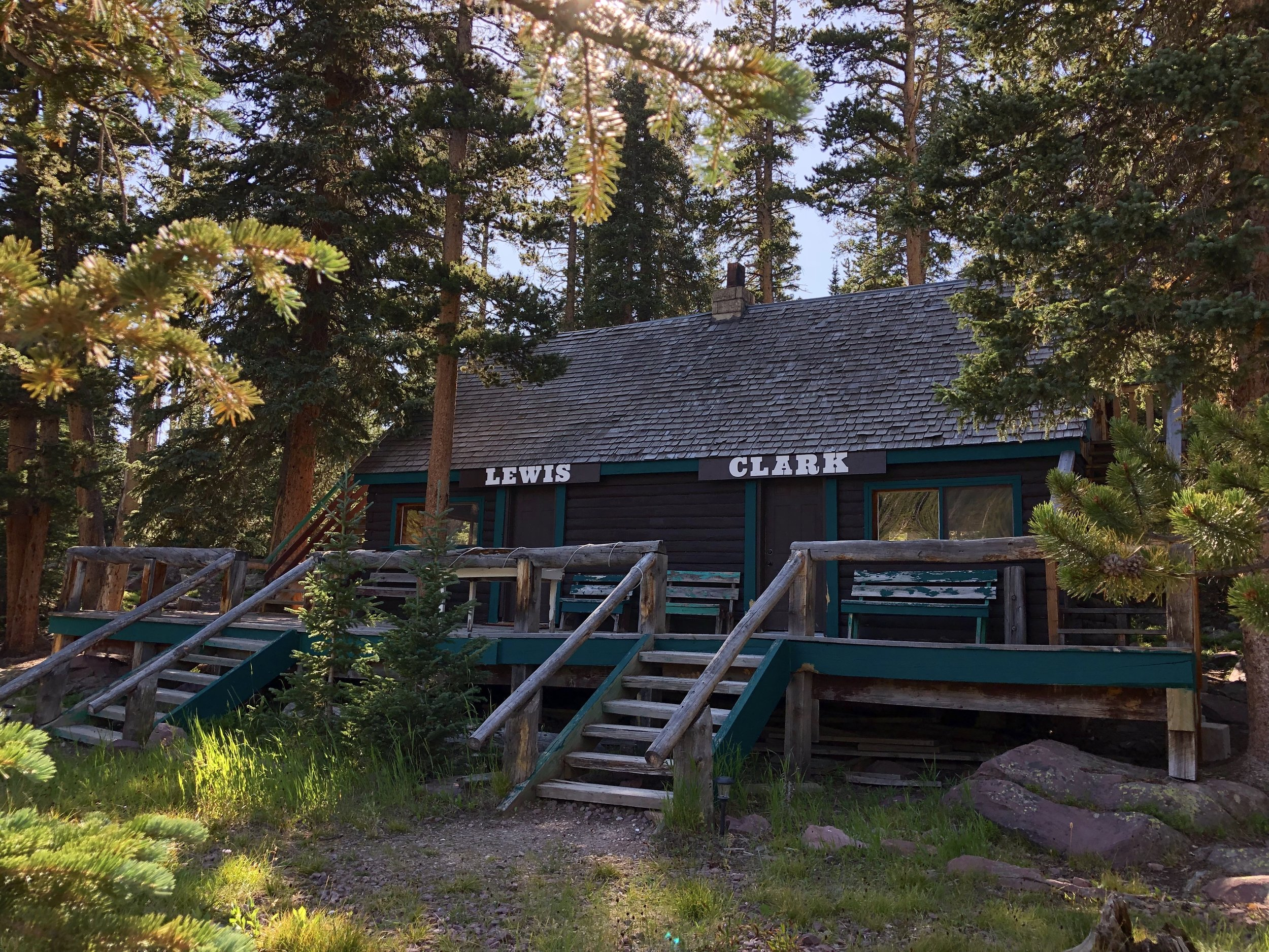 Clark - Sleeps 6 - 272 sq/ft Duplex Cabin With Private LoftTwo Queen Beds On Main LevelSingle Queen Bed In Loft (Private Entrance)PricingSunday - Thursday | $100/NightFriday & Saturday | $115/Night