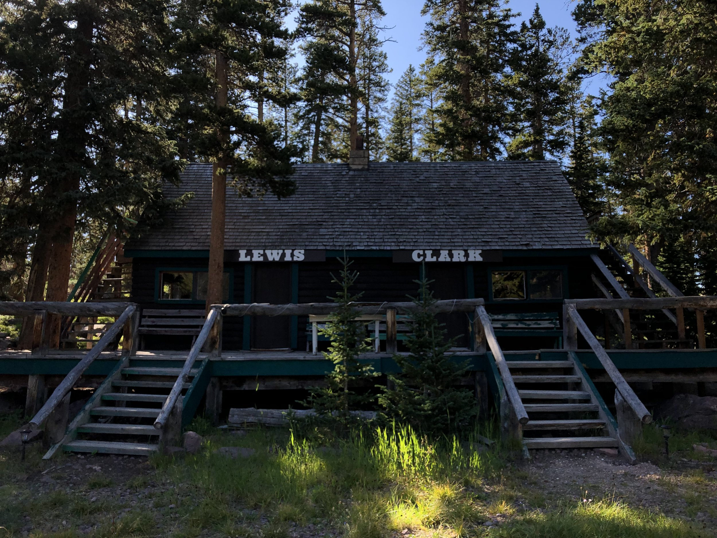 Lewis - Sleeps 6 - 272 sq/ft Duplex Cabin With Private LoftTwo Queen Beds On Main LevelSingle Queen Bed In Loft (Private Entrance)PricingSunday - Thursday | $100/NightFriday & Saturday | $115/Night