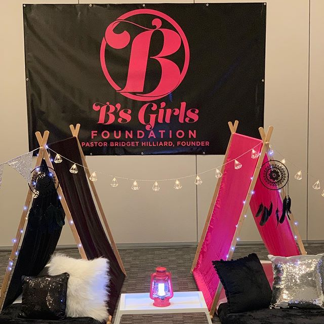 @bgirlfoundation I hope you enjoyed your night!!!! Thanks for entrusting @lmeventsandconsulting with your event while here in Atlanta.  Special shoutout to @l_daniels1 for always assisting me, @sleepoversandco.atl for taking my vision and going over and beyond, and @lumeebooth for capturing special moments.