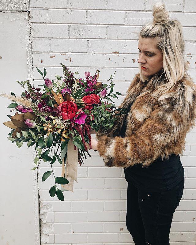 Jewel tones for the sweetest winter bride ✨