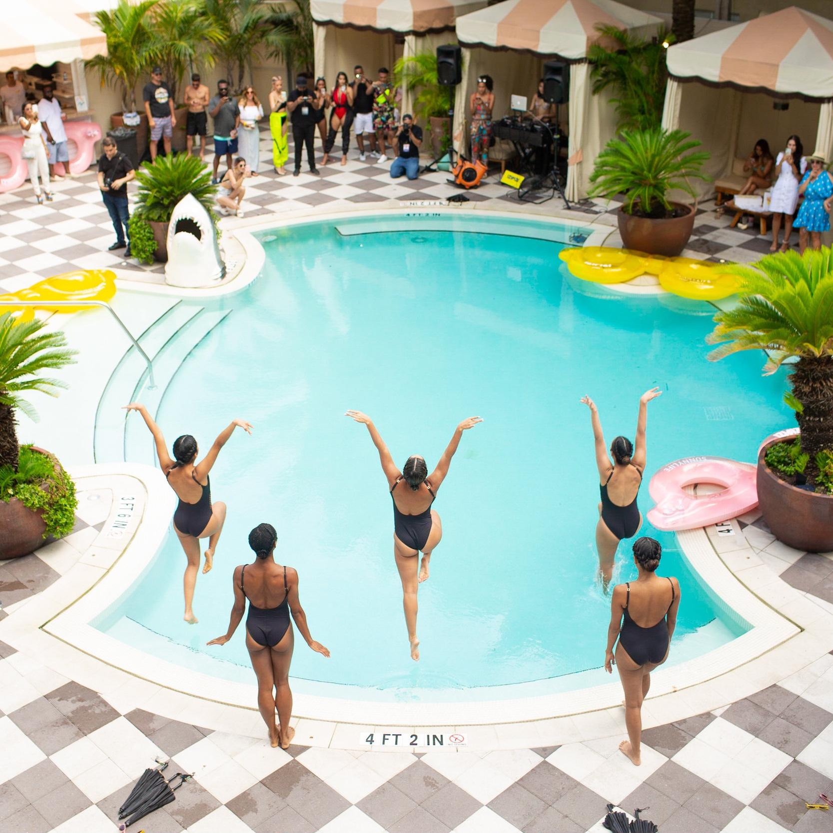 HAPPYMONDAY x Paraiso Izipizi Pool Party -59.jpg