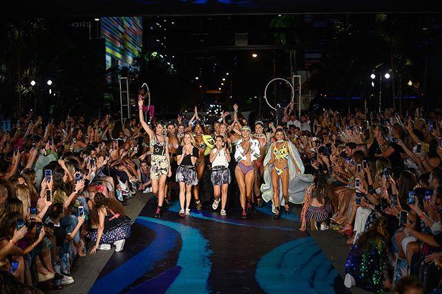 Shutting down the streets of Miami with @maajiswimwear 💫 #ParaisoTakesBCC