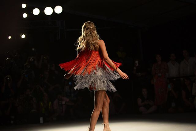 Fun with fringe & bright bold colors @sinesiakarol #ParaisoMB — view the trends & highlights from the show online paraisomiamibeach.com