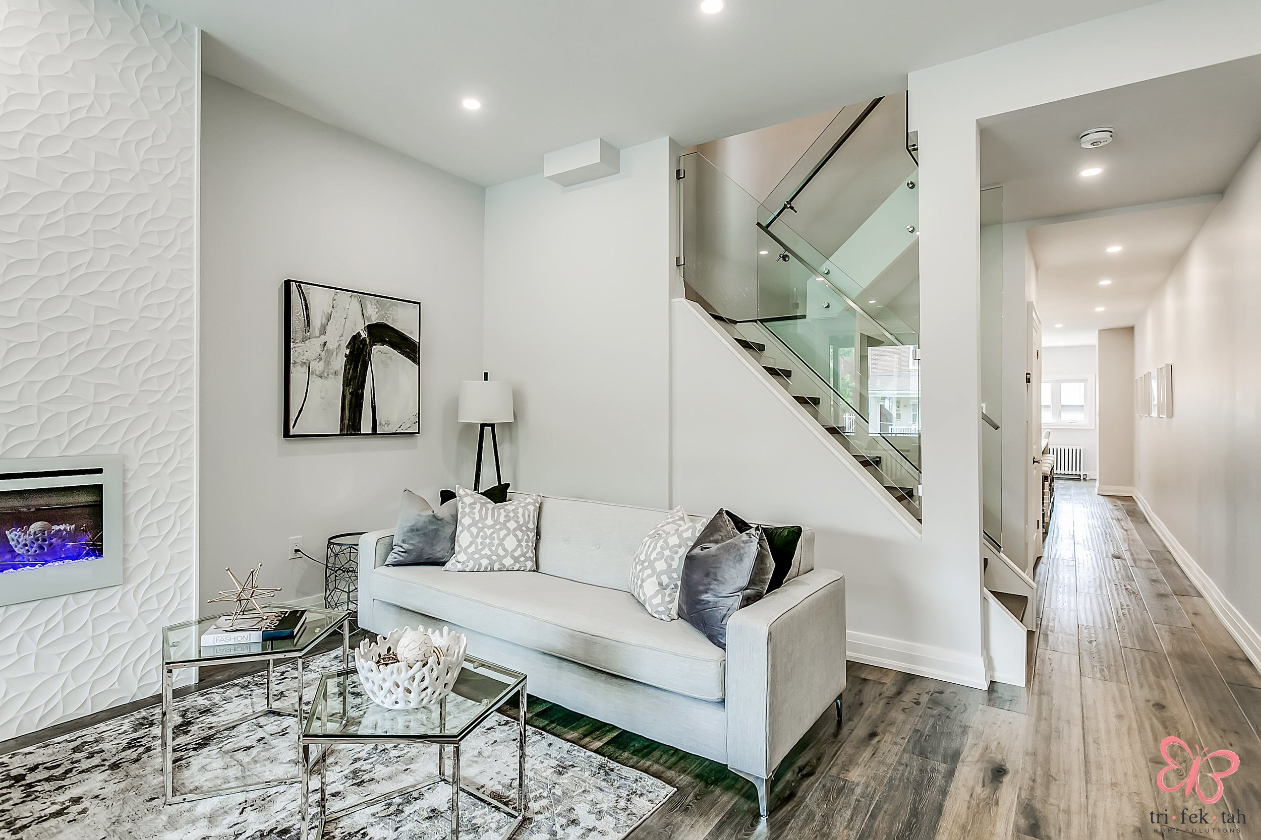 190-Bellwoods-livingroom 2.jpg
