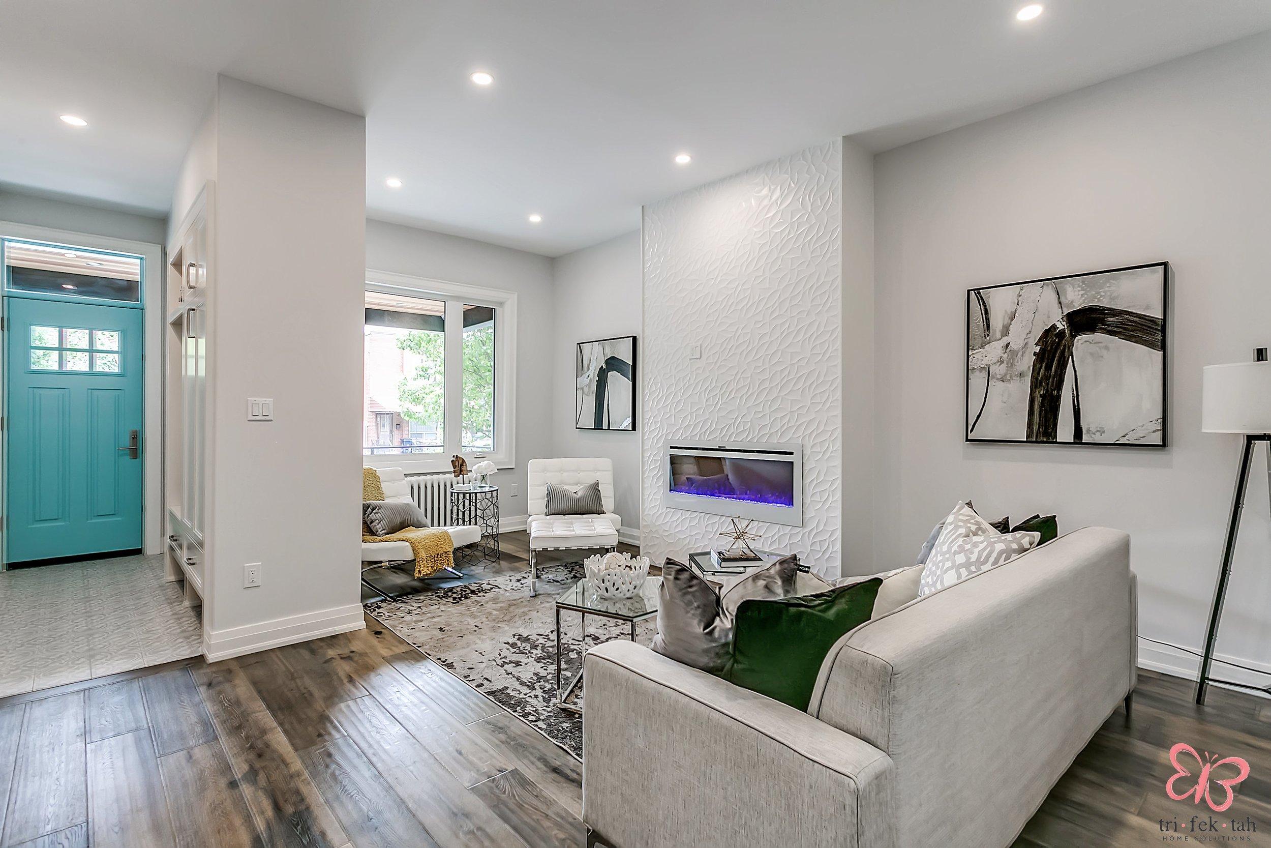190-Bellwoods-livingroom.jpg