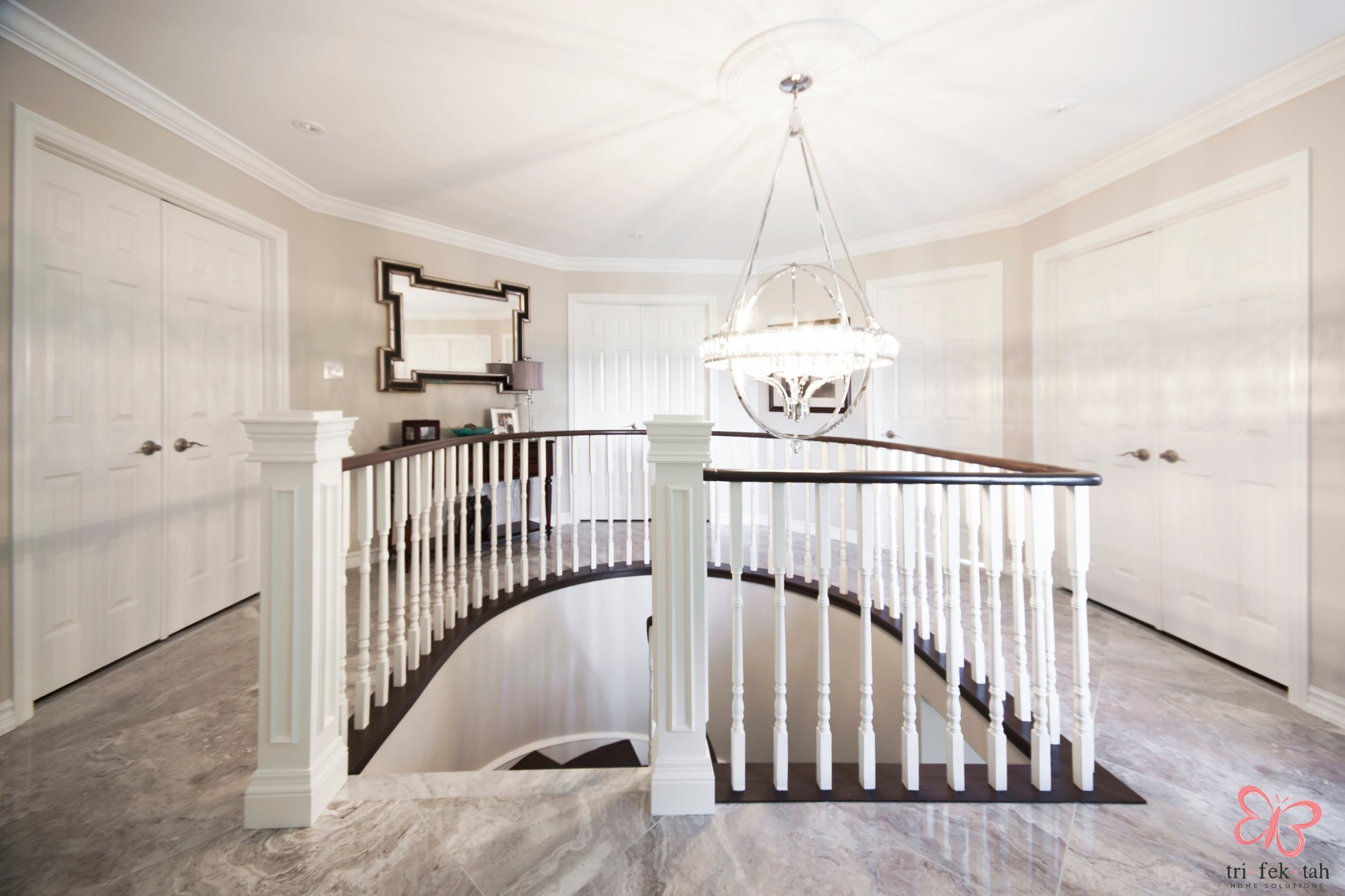 Hemmingway-stairs2.jpg