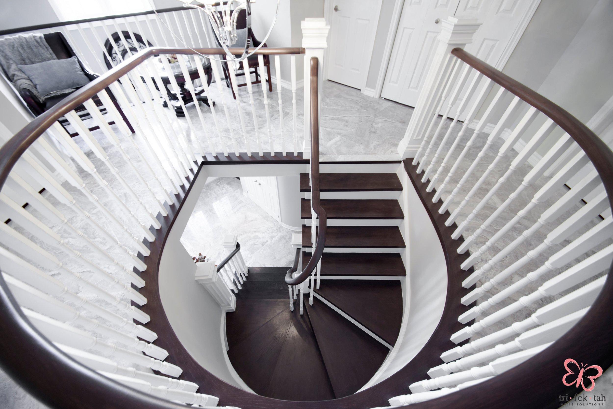 Hemmingway-stairs3.jpg